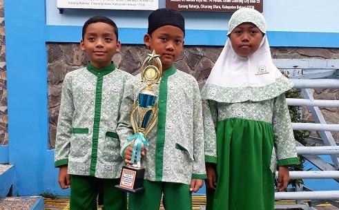 Dafa AR, Nazrey AR & Anindita DO