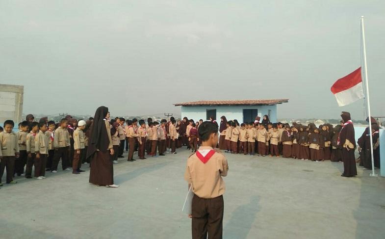 Peringati Wafatnya BJ.Habibie, SDIT Wirausaha Indonesia Gelar Upacara
