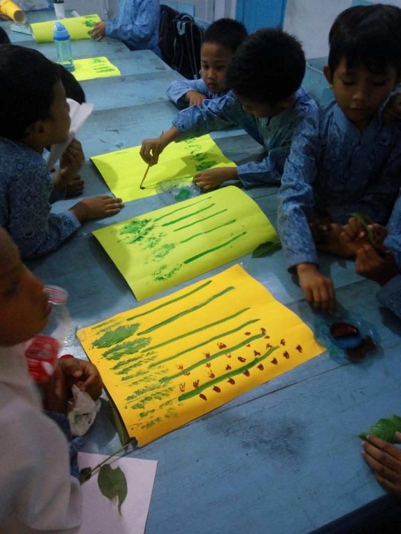 Kegiatan Melukis Siswa SDIT Wirausaha Indonesia