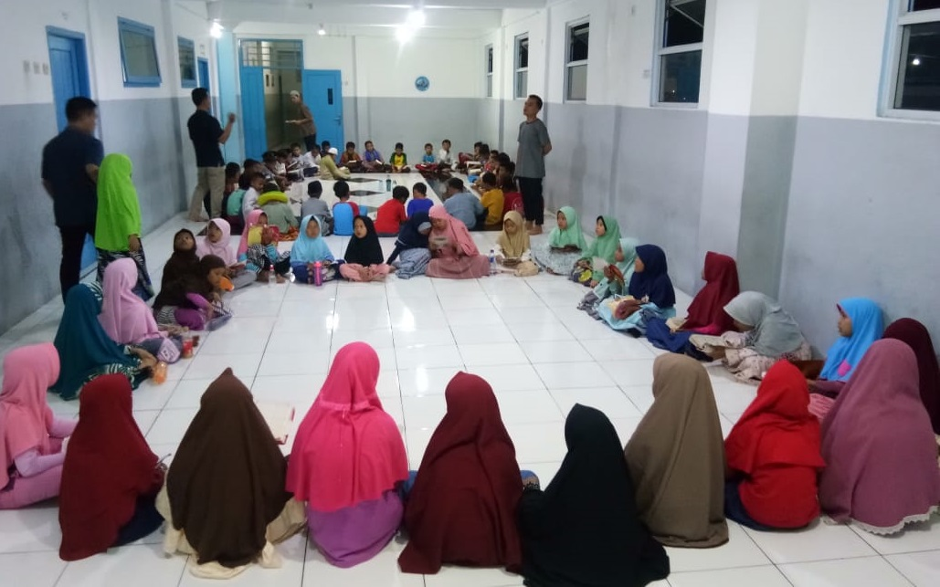 Menumbuhkan Cinta Ibadah Melalui Mabit Sekolah