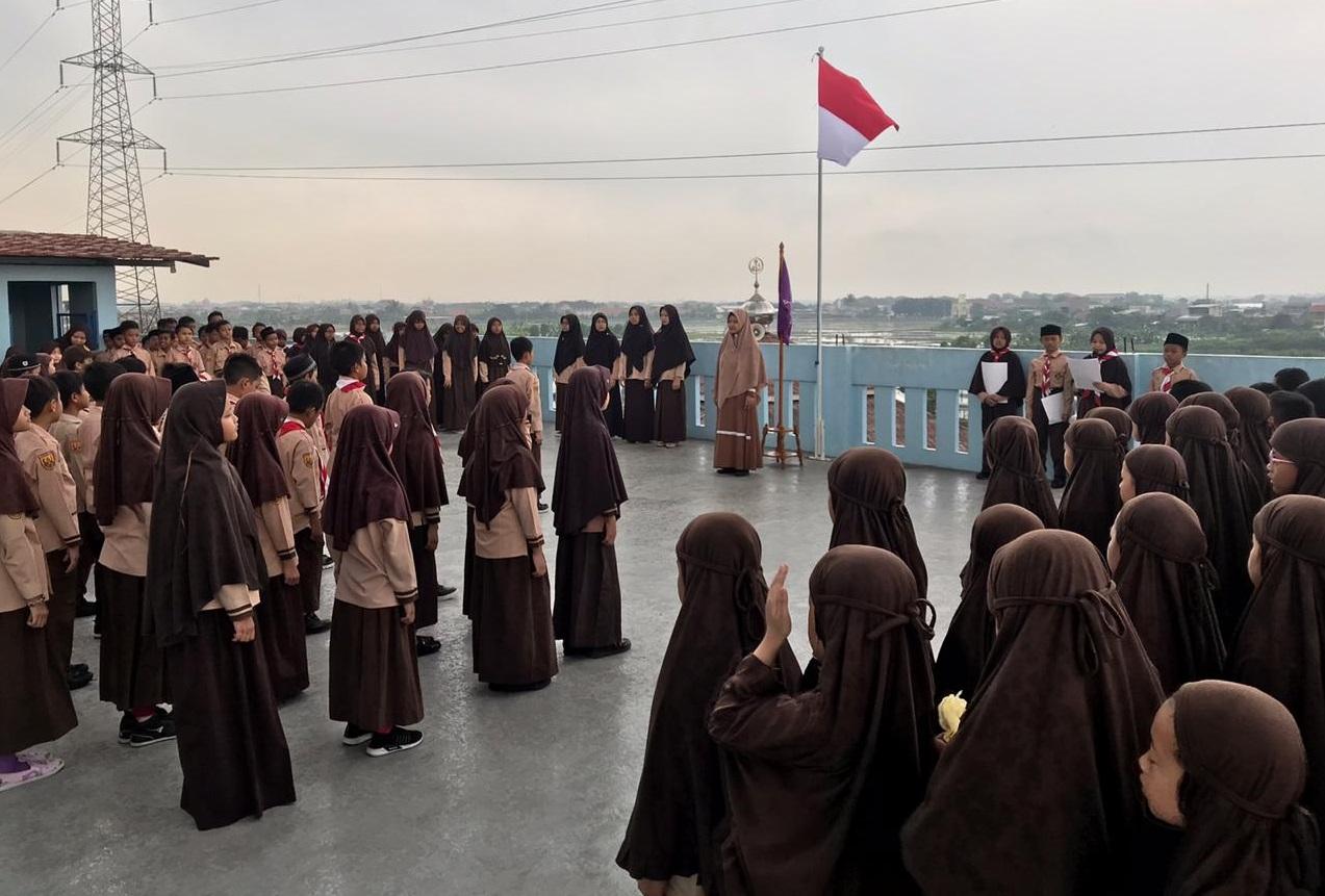 SDIT Wirausaha Indonesia Gelar Upacara Pramuka