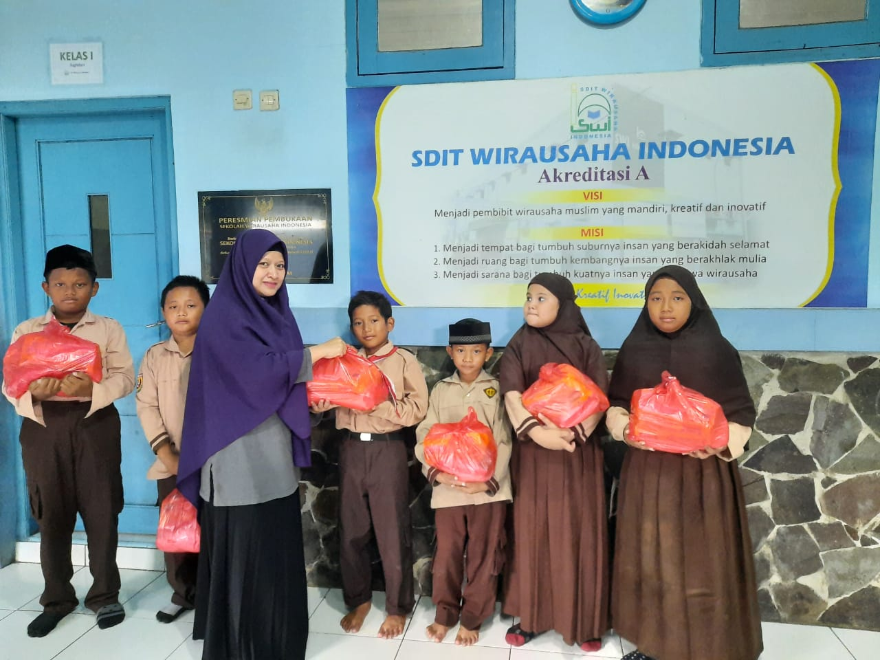 Aksi Sosial SDIT Wirausaha Indonesia untuk Lingkungan