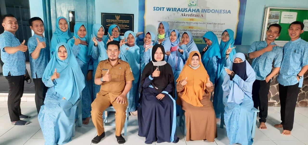 Pelatihan Pembuatan Video Pembelajaran Bagi Guru SDIT Wirausaha Indonesia