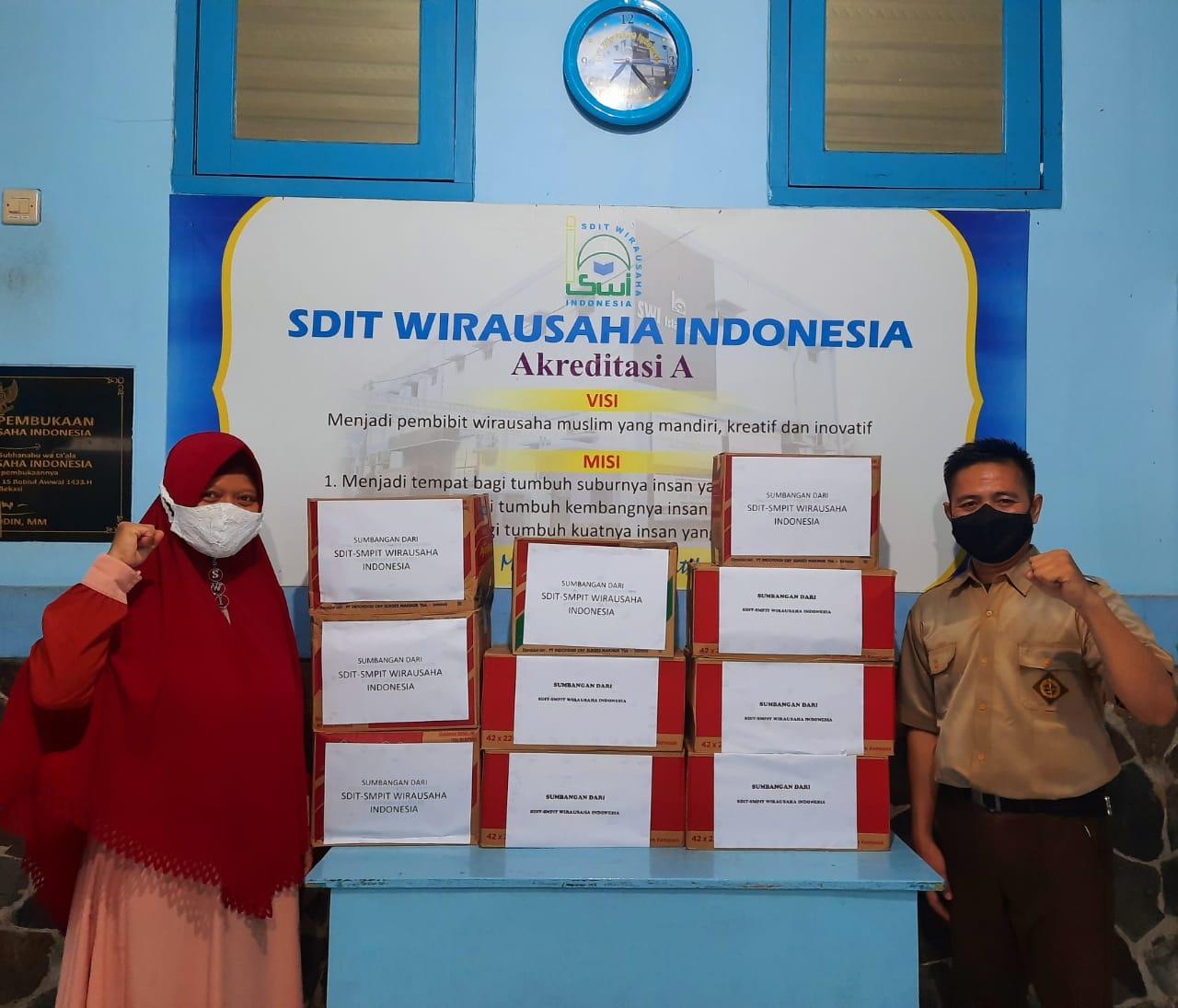 SDIT-SMPIT Wirausaha Indonesia Berikan Sumbangan untuk Korban Banjir