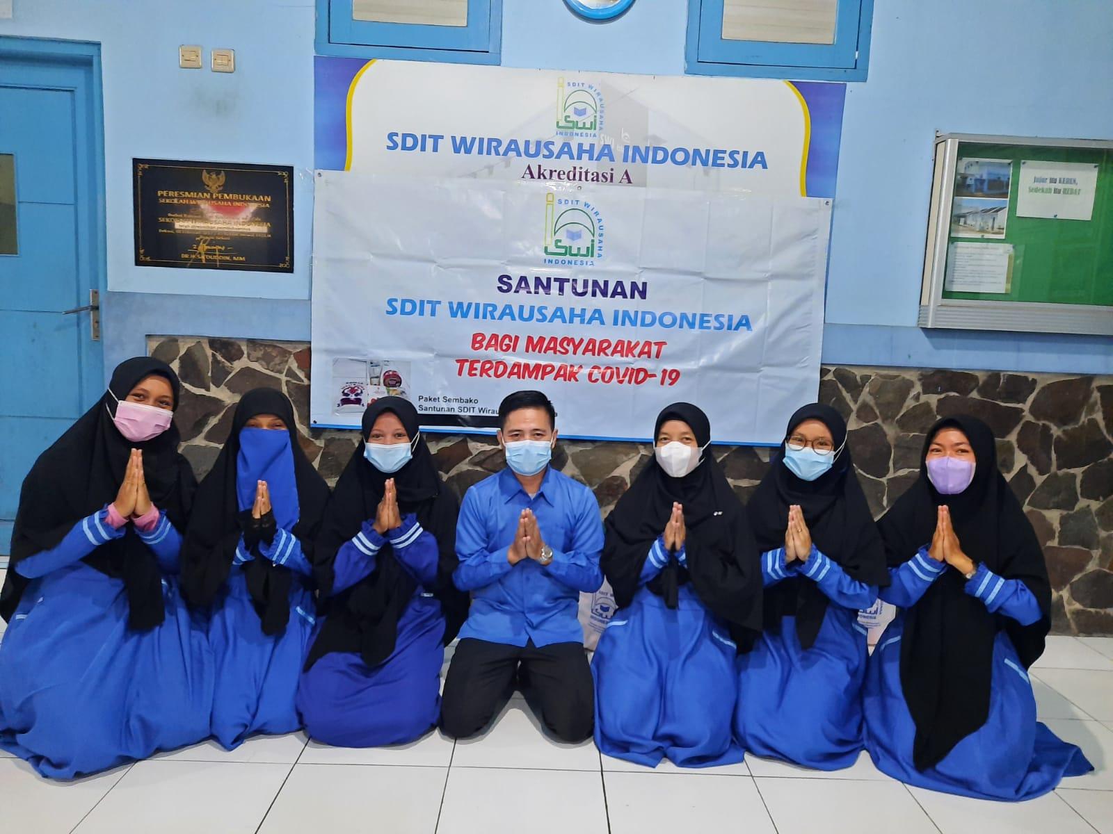 SDIT-SMPIT Wirausaha Indonesia Berbagi Kebaikan di Hari Jumat